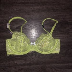 Victoria's Secret 34C  Green Lace underwire Bra
